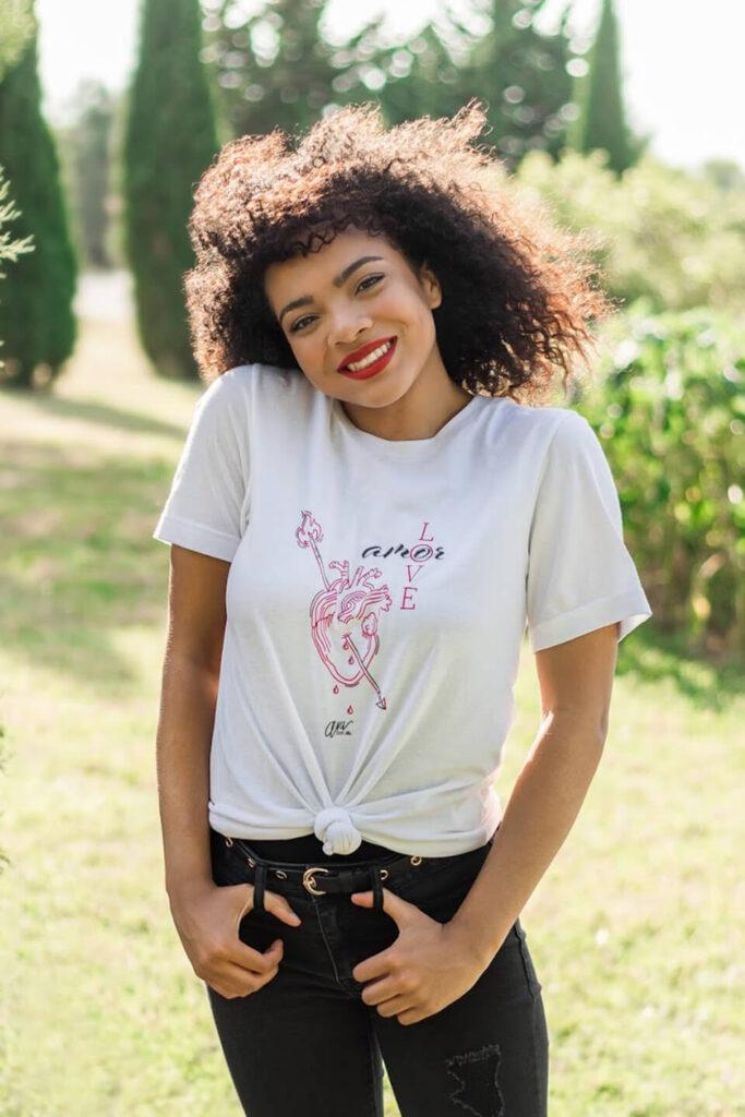 Love/Amor Women's T-Shirt